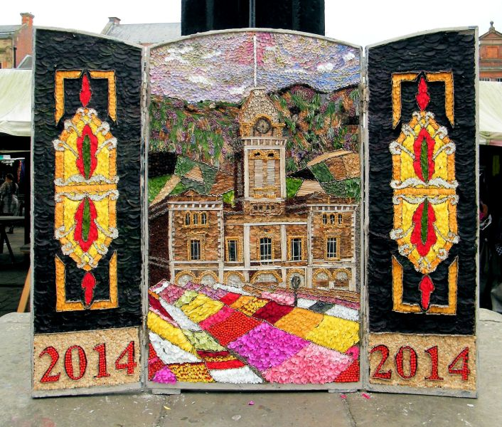 Chesterfield 2014 - Market Place Well Dressing
