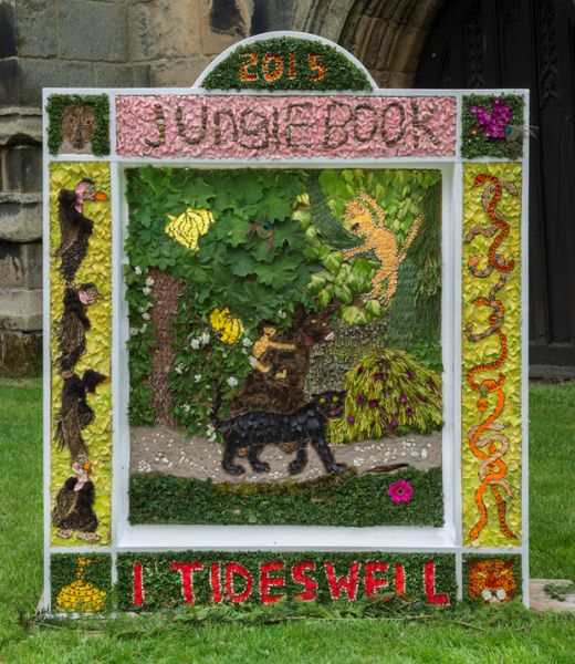 Tideswell 2015 - Scouts Well Dressing