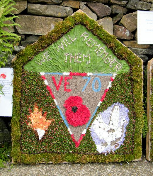 Endon 2015 - Endon Hall Primary School Well Dressing