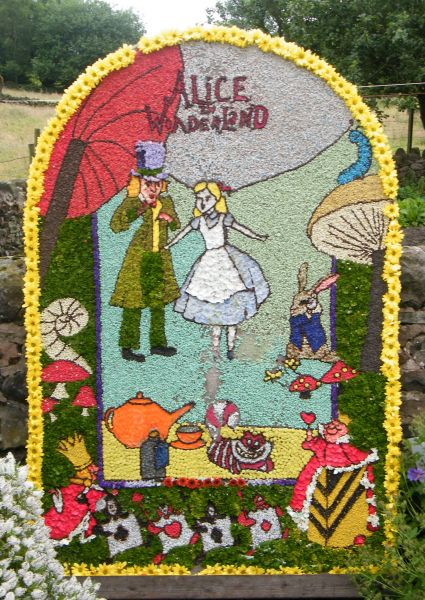 Brown Edge 2015 - Job's Pool Well Dressing