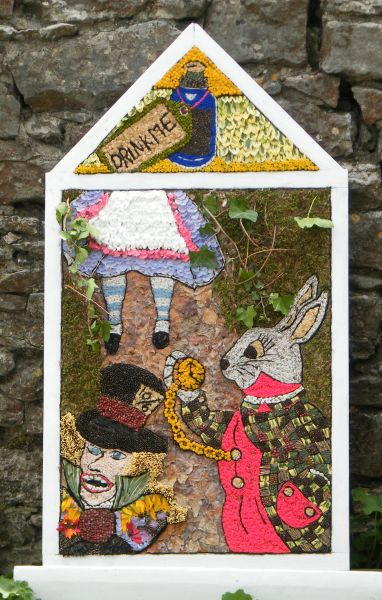 Little Longstone 2015 - Children's Well Dressing