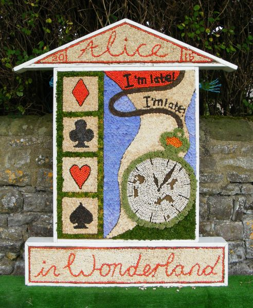 Foolow 2015 - Children's Well Dressing