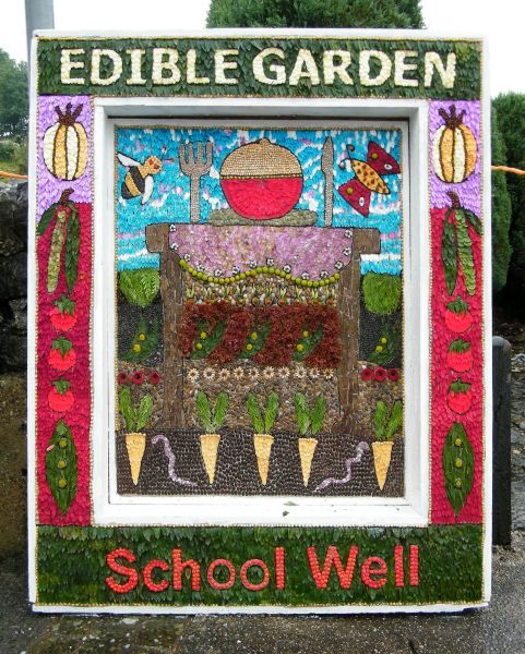 Hartington 2015 - School Well Dressing