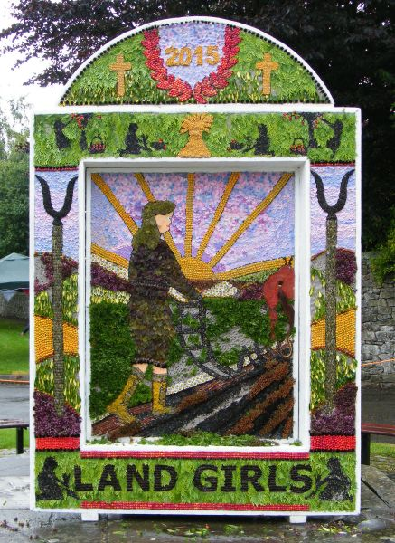 Hartington 2015 - Main Well Dressing