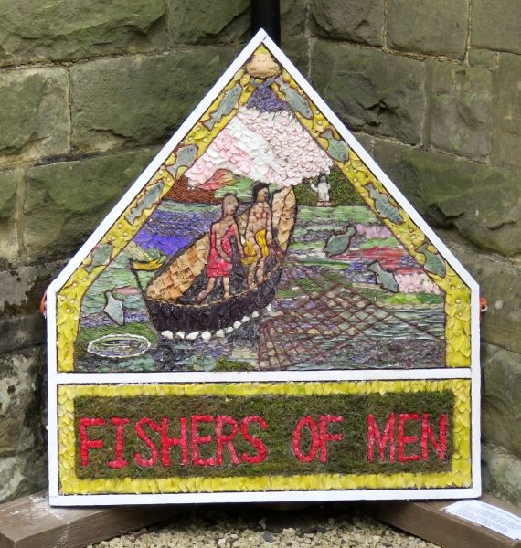 Brackenfield 2016 - Holy Trinity Church Well Dressing
