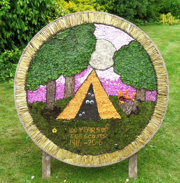 Wirksworth 2016 - Scouts Well Dressing