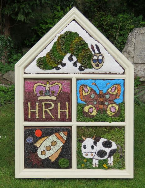 Wirksworth 2016 - Federation of Infant Schools Well Dressing