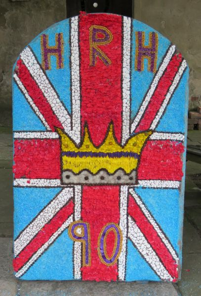 Wirksworth 2016 - Playgroup Well Dressing