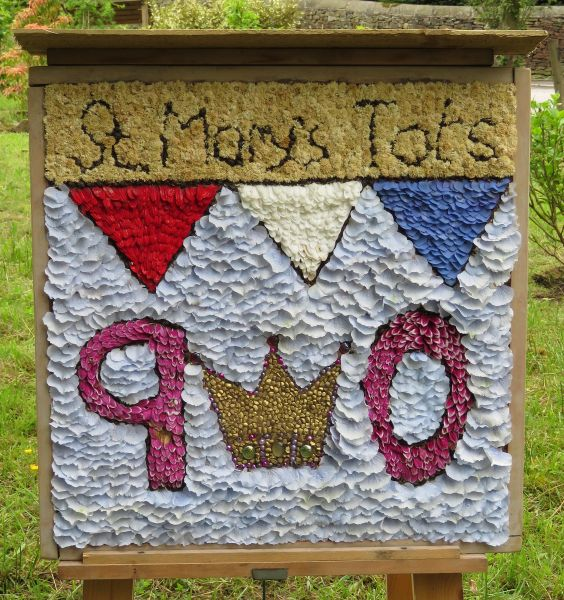 Disley 2016 - St Mary's Tots Well Dressing