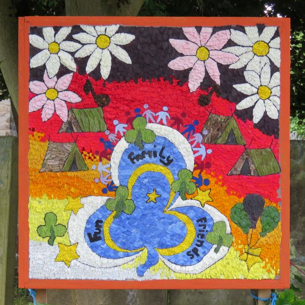 Youlgrave 2016 - Guides' Well Dressing