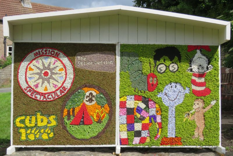 Whitwell 2016 - Village Green Well Dressing