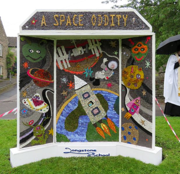 Great Longstone 2016 - Village Well Dressing