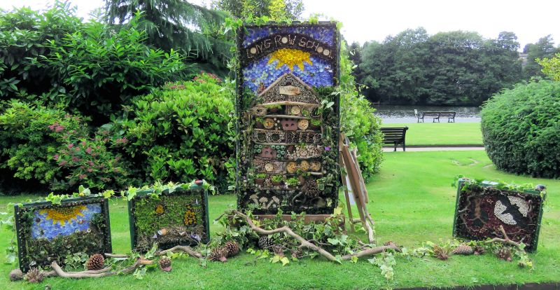 Belper 2016 - Long Row Primary School Well Dressings (1 - 4)