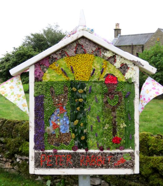 Great Hucklow 2016 - Children's Well Dressing