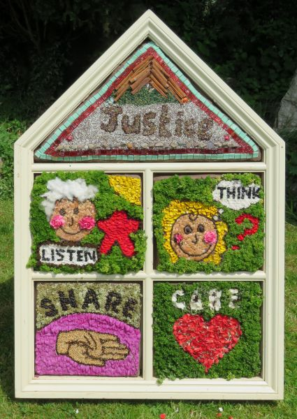 Wirksworth 2017 - Federation of Infant Schools Well Dressing