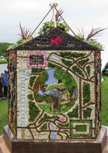 Chatsworth 2017 - Buxton Well Dressing (face 3)