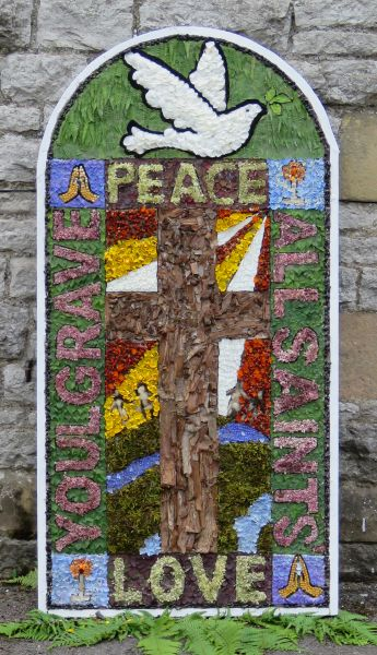 Youlgrave 2017 - School Well Dressing