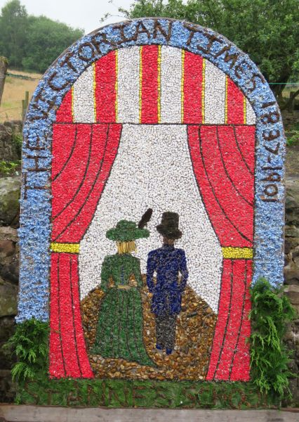 Brown Edge 2017 - Job's Pool Well Dressing