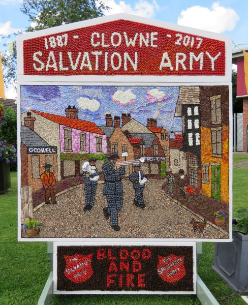 Clowne 2017 - Mill Green Way Well Dressing