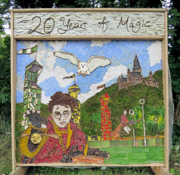 Holymoorside 2017 - Intermediate Well Dressing