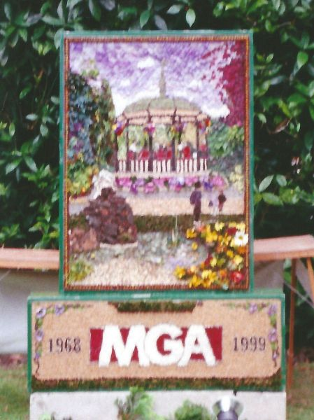 Belper 1999 - Myasthenia Gravis Association Well Dressing